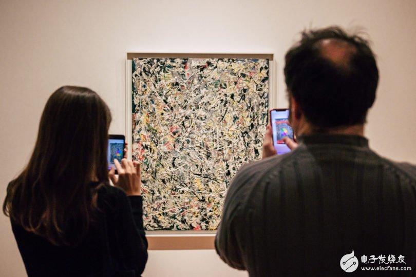 八位艺术家合作开发一个新的艺术项目:交互式AR展...