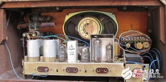 上海 144 电子管收音机