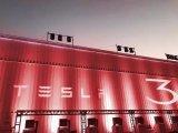 明明特斯拉可以在中国独资建厂,为什么还要以进口车形式,缴纳高额关税卖到中国?