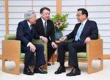 日本开始正视中国的强大,想搭上中国发展的顺风车