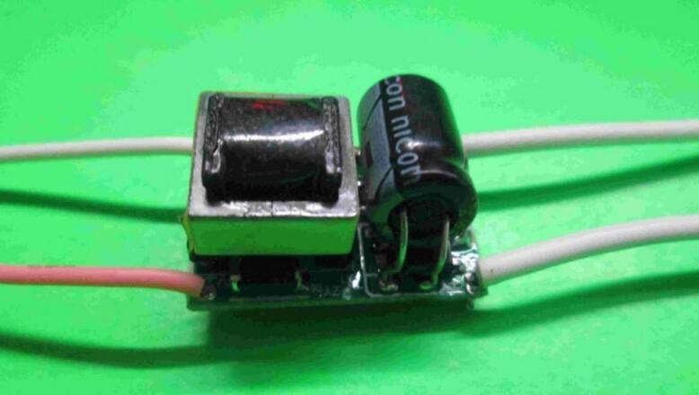 三种常用的LED驱动电源详解(开关恒流源/线性I...