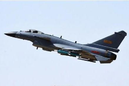 中国空军歼-10C战机正式上岗 承担战斗值班重任