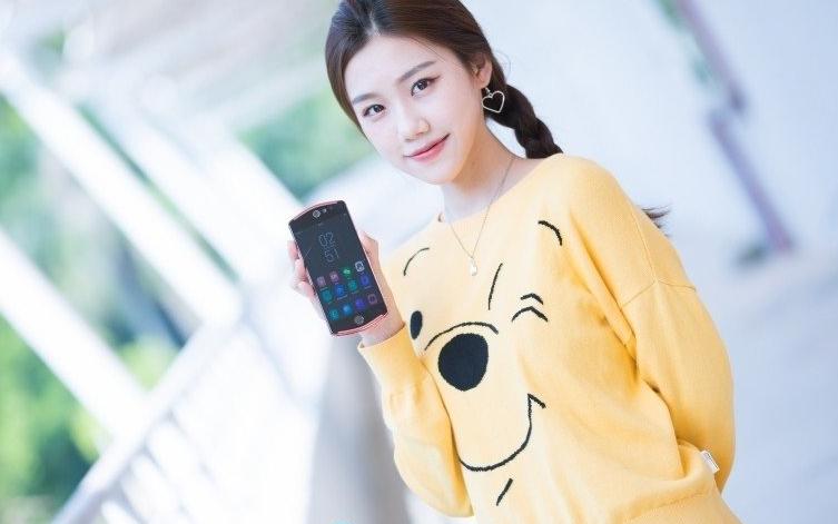 美图T9送女友 支持AI瘦身功能