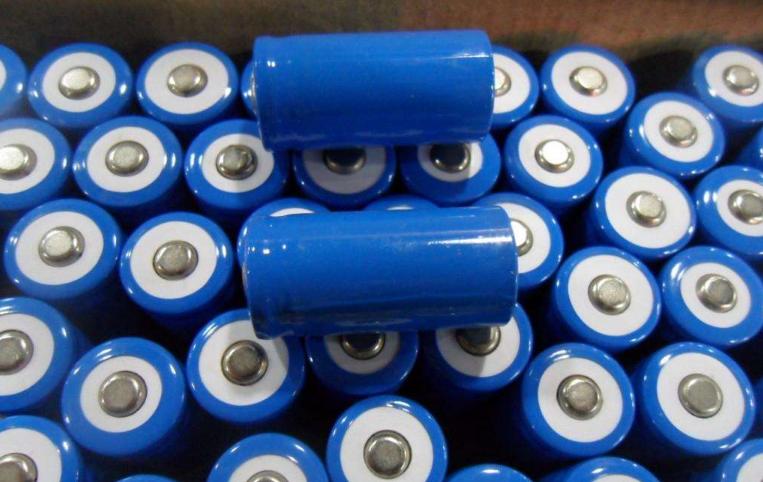 谈一谈锂离子电池正极材料常见的失效形式以及相应的预防措施
