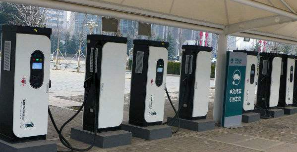 预计2020年新能源车将达145万 充电桩成瓶颈