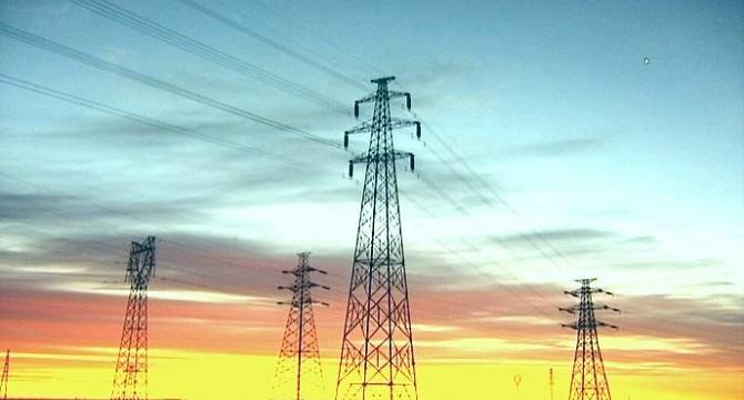 """新疆:打造""""一带一路""""建设经济带上的输电走廊"""