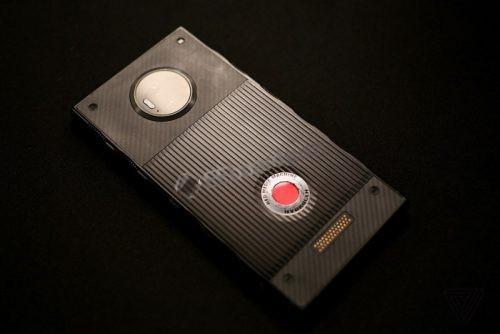 一款野心十足的智能手机--RED Hydrogen One,近似完美!