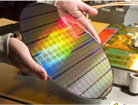 供不应求推升硅晶圆的报价逐季飙涨