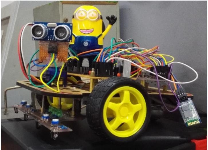 如何使用STM32来设计循迹,避障,遥控的多功能智能小车详细资料概述