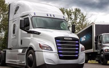 奔驰母公司戴姆勒电动卡车续航400公里,叫板特斯拉semi