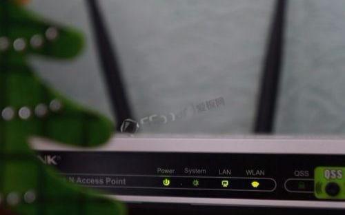 WiFi卡顿时,自动收集用户相关数据提供解决相关问题的可操作建议,智能路由器?
