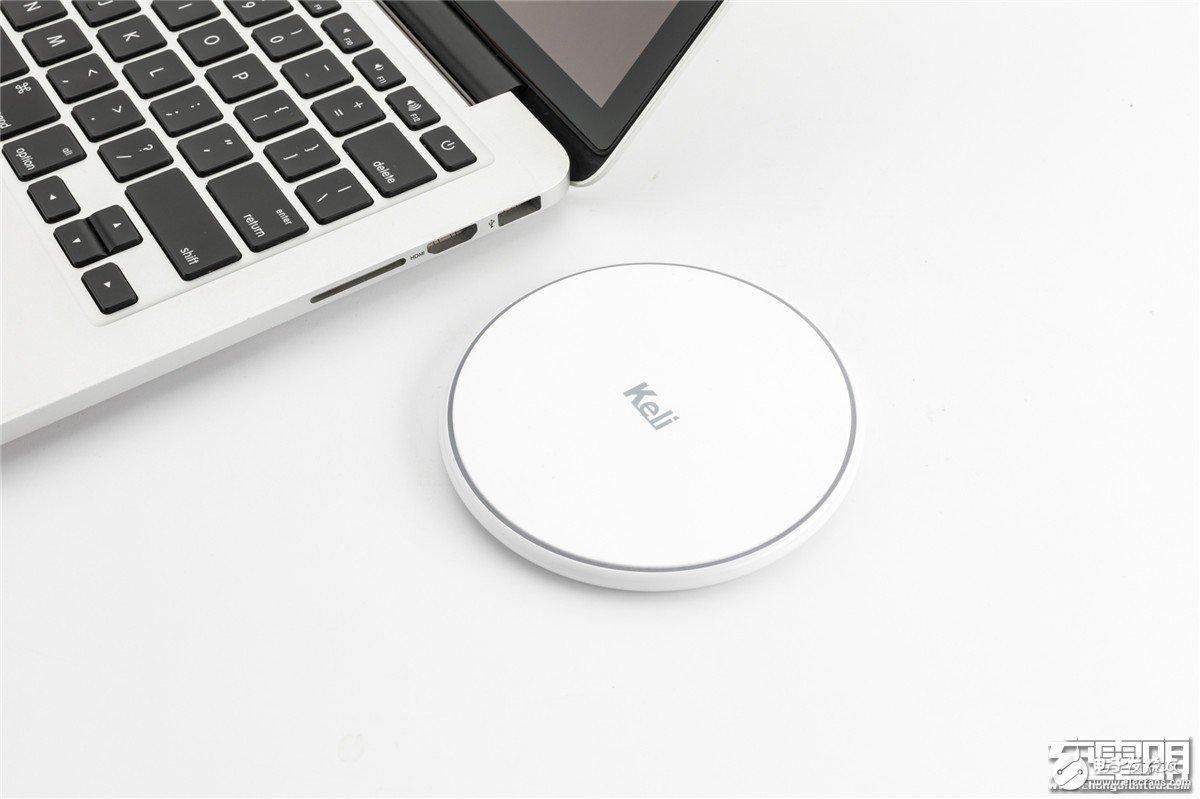 Keli推出了一款无线充电器,超薄设计,支持10W无线快充
