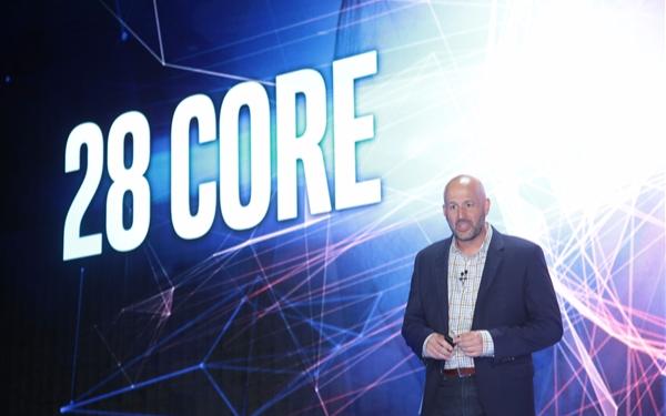 Intel发布28核处理器,为解决散热问题竟用上...
