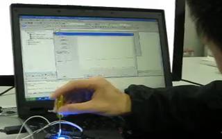 采用 RL78/G13 开发板控制MCU采集电位...