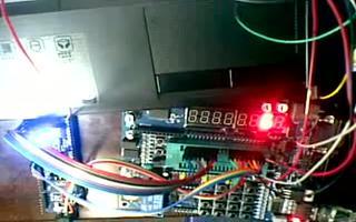 采用 RL78/G13 开发板控制数码管的动态显示