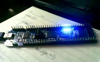 使用定时器功能实现呼吸灯亮暗过程