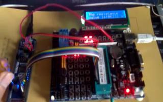 介绍AD模数转换LCD1602显示的特点