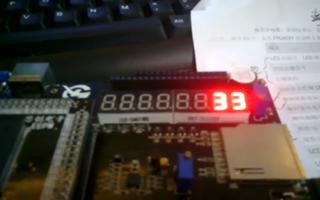 采用FPGA DIYK开发板控制模为60的计数器...