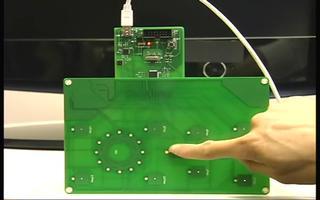 介绍 R8C 触摸式的特点与检测原理