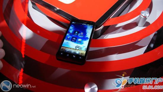 【回顾往年CES】Verizon展示首批运行在Verizon 4G网络上的谷歌Android产品