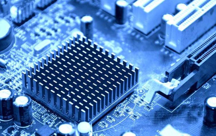 6月以来,多家公司开始布局芯片产业