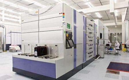 EUV光刻技术竞争激烈,三星7纳米EUV制程已完...