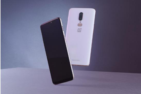 一加6智能手机:骁龙845+8G内存,3D曲面玻璃,手感极佳