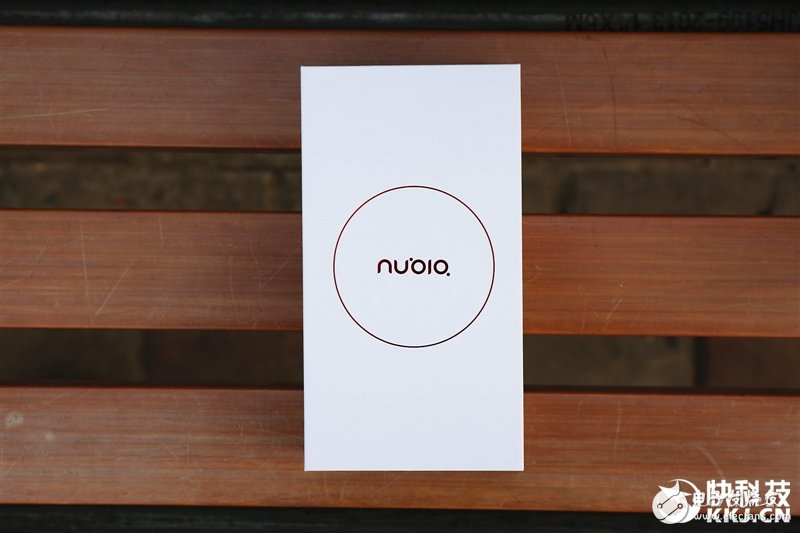 努比亚V18上手评测:长续航+小牛语音 当之无愧最实用千元机