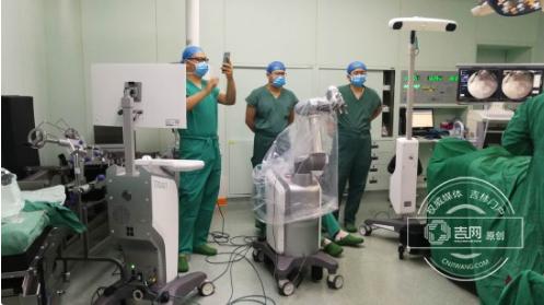 手术机器人进军医疗行业:精准定位到手术位置,手术...
