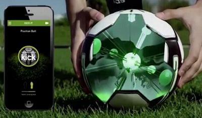 关于adidas智能足球体验的介绍视频