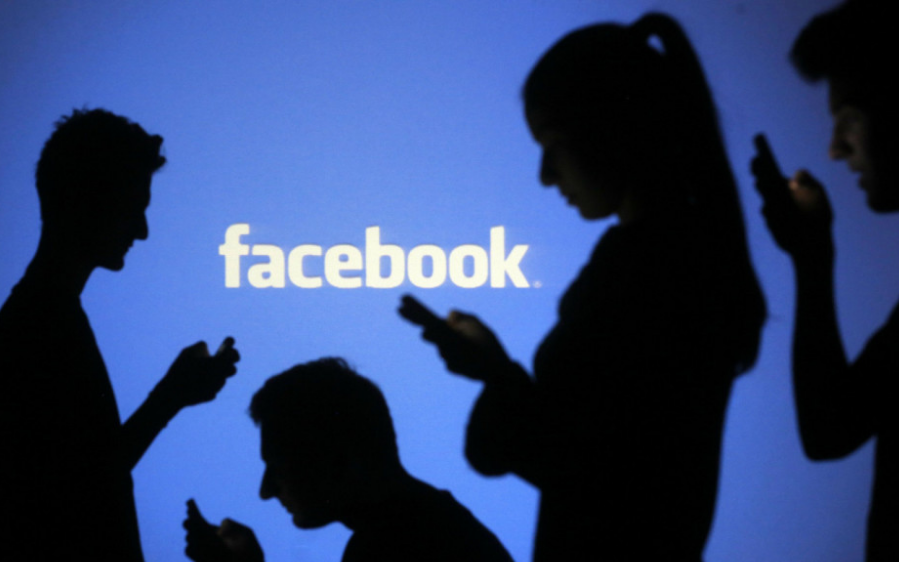 Facebook承认允许61家公司访问用户数据