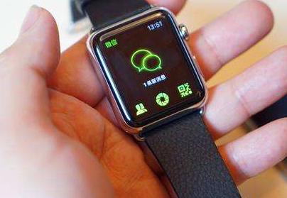 """""""抬腕唤起 Siri""""的功能将于watchOS ..."""