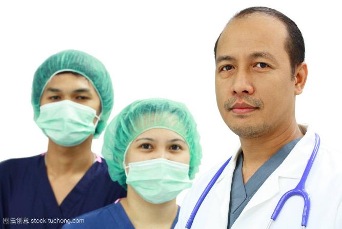 要想促进全民健康的制度体系完善,医疗防护之路是重...