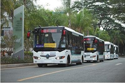 李彦宏:百度全球首款无人驾驶巴士已经完成量产,欲...