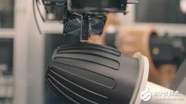 """MakerBot将其台式3D打印机以""""星际迷航""""中的设备命名:Replicator"""