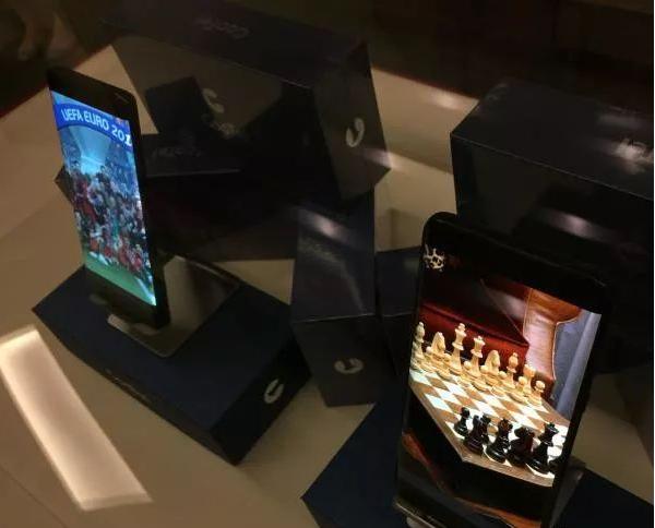 和辉光电首批柔性AMOLED手机屏量产,智能手机...