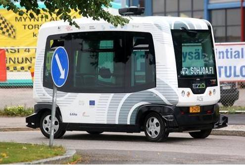 无人驾驶小巴进驻校园:保证安全第一,自动躲避行人