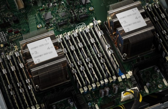 Intel发飙,下一代Xeon至强服务器平台内存...