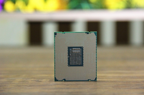 下一代Core i7-8565U曝光,睿频加速可达4.6GHz