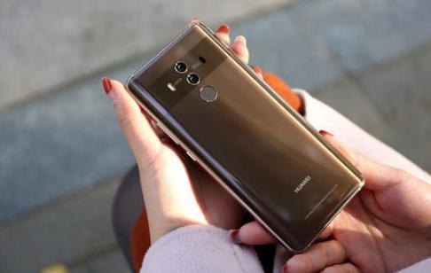华为Mate 20曝光:今年最创新国产手机,全面屏外形夸张