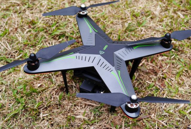 京东无人机开辟新商业模式,无人机撒药助力农业植保