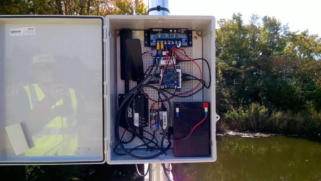 如何使用物联网水位传感器监测水位?