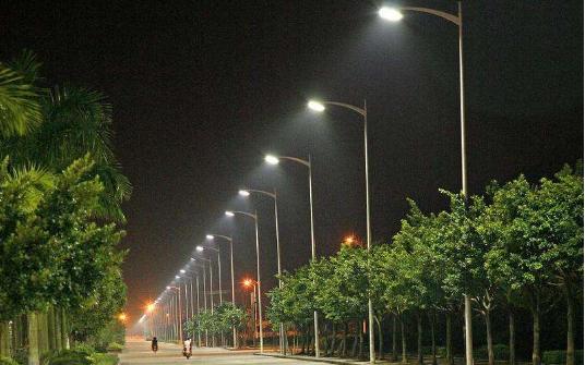 美国小镇对LED路灯的改造 预计4到5个月完成