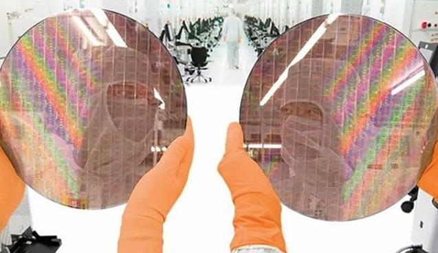 中环开始试制单晶硅晶圆,年底将达到2万片/月