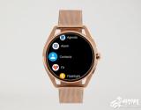 Armani最新款智能手表开启预售,简单而奢华,并支持无线充电,售价295美元起