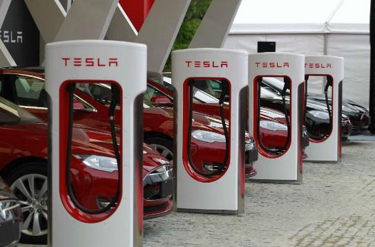 新能源汽車市場火爆,充電樁行業依舊存在挑戰