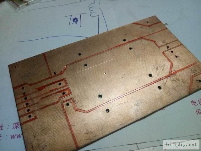 PCB背面把不用的部分用记号笔画出来,是不是很简单,在复杂的也可以哦,中学美术没学好,不怎么美。