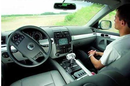 为突破无人驾驶瓶颈,越来越多的公司利用模拟技术测...