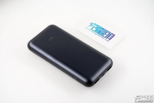 ZMI 10号USB PD移动电源拆解,圆润的外...