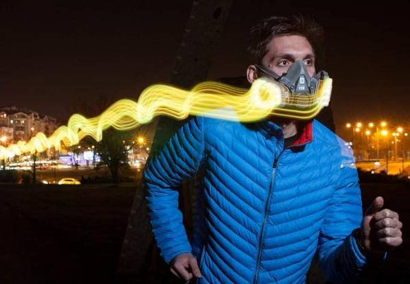 国外设计出一款LED口罩,可根据LED显示颜色了解周围空气质量
